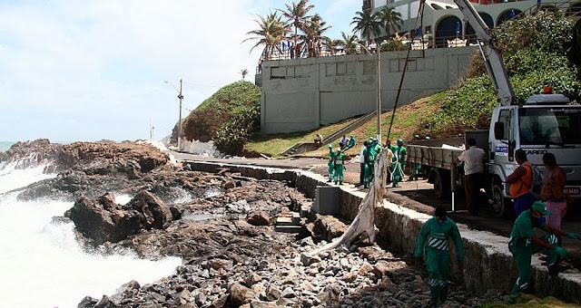Garis em operação de remoção dos restos mortais (Foto: Mauro Akin Nassor/Correio)