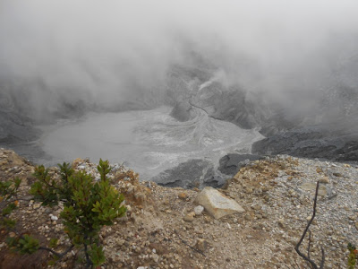 Foto Kawah Gunung Tangkuban Parahu