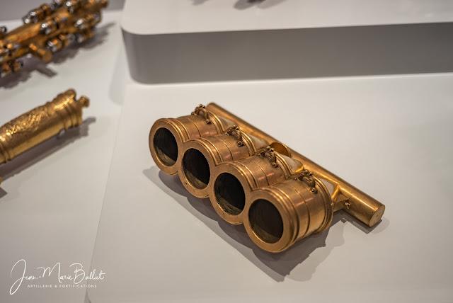 Hôtel des Invalides — Musée de l'Armée : petits modèles d'artillerie