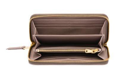 3dd88f00dd Leggo che ora questo portafoglio, in boutique costa 490€. Io credo di  averlo pagato 180€ all'outlet di Montevarchi (nel quale vi consiglio di  andare, ...