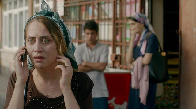 Selen Öztürk - Mahalle (2018)