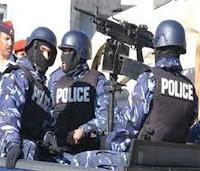 مطلوبين في الكرك يطلقون النار على قوات الامن