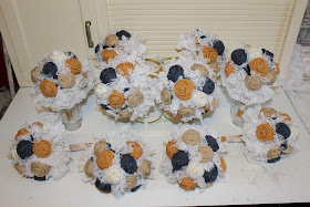 gold and navy burlap bouquets