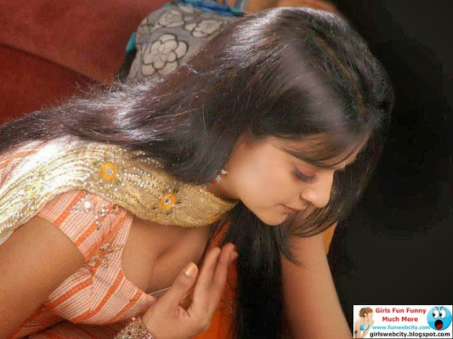 Desi Young Girls Aunty Mobile Hidden Pics - Sexy Hot Girls-9300