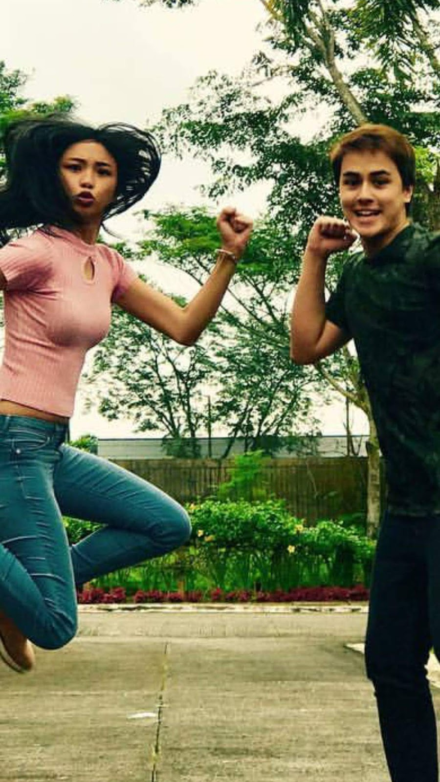 edward asks maymay why is your face more manly than mine
