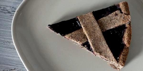Crostata Vegan Con Farina Di Grano Saraceno E Confettura Di Mirtilli