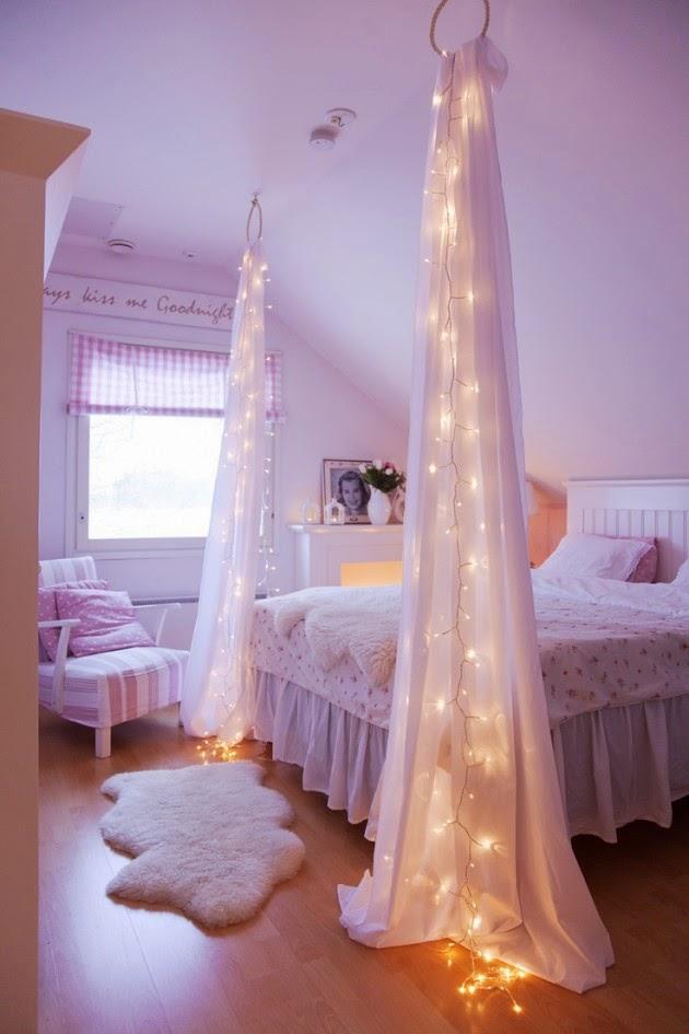 Una bonita cortina con luz para la recamara.