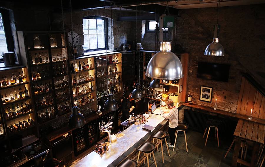 7 Places to Eat, Drink, & Be Merry in Edinburgh, Scotland: The Bow Bar, The Devil's Advocate, Clam Shell, The Elephant House, Grain Store, North Bridge Brasserie, The Voodoo Rooms.