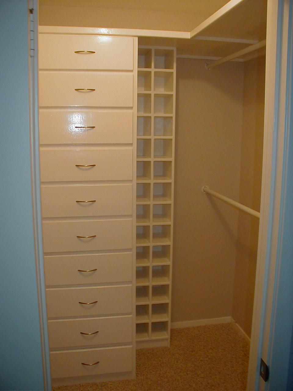 Suburbs Mama: Master Closet
