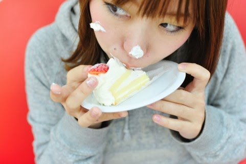 甘いスイーツ好きは薄毛率UP?白砂糖が育毛に大切な栄養を奪う!