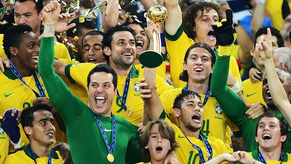 """A Copa do Mundo no Brasil será realizada somente em 2014. Num levantamento  feito pela """"Pluri Consultoria"""" das 32 seleções que irão para o Mundial a do  ... a568f0d76613d"""