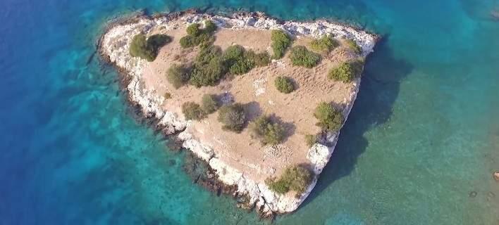 Σιδερώνα: Με drone στο νησί των βρυκολάκων! Μία απίστευτη ιστορία τρόμου στα νερά του Σαρωνικού... (Εικόνες-Βίντεο)