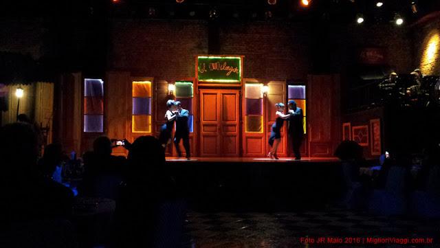Dançarinos de Tango em casa de show de Montevidéu