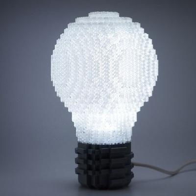 16. Lampu hias dari lego