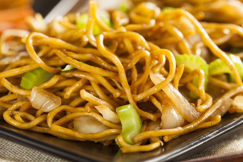 Crockpot chow mein recipe a year of slow cooking originally forumfinder Image collections