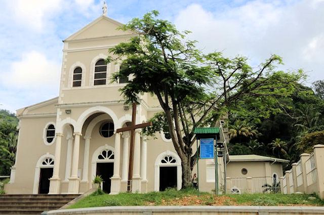 Römisch-katholische Kirche (C) JUREBU