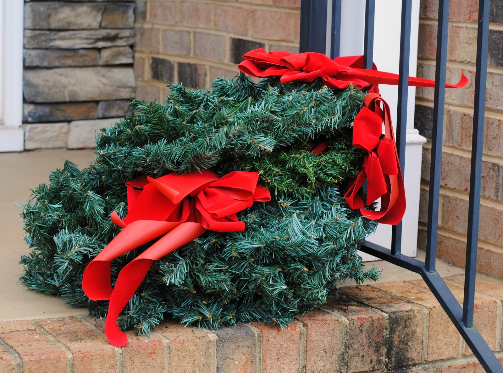 Living With Imperfection: Christmas Un-decorating