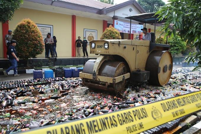 Polres Bogor Jabar Musnahkan Puluhan Ribu Botol Miras