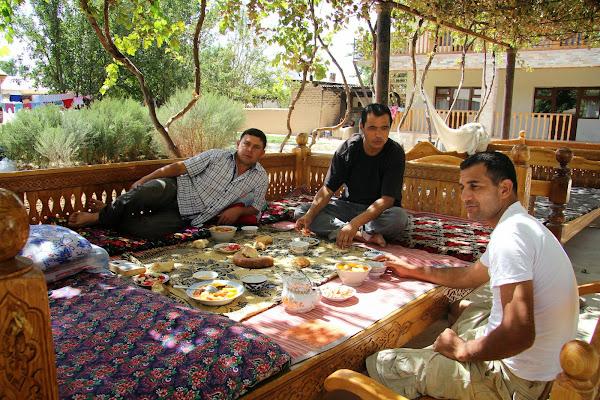 Ouzbékistan, Derbent, gastinitsa, tapshan, tapchane, gastinitsa Shavkat, © L. Gigout, 2012