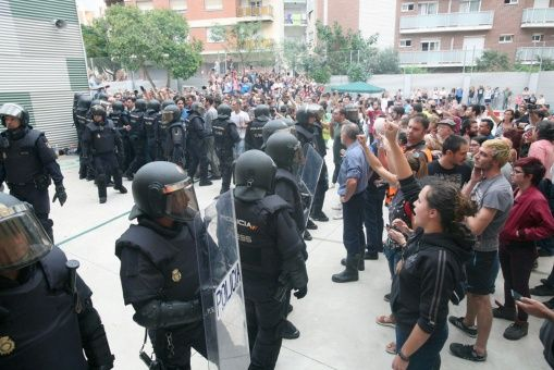 Jueces juzgan acción de Guardia Civil en referendo de Cataluña