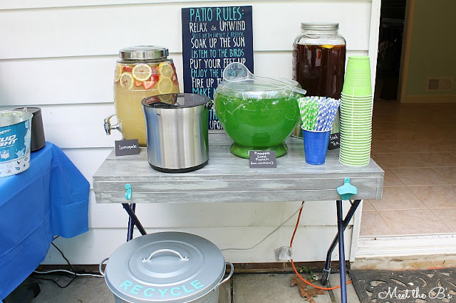 DIY Patio Recycling Bin using an Ikea trash can and vinyl lettering