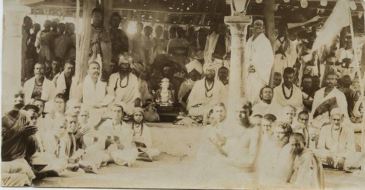 Brahmin & Hindu Priests Worshipping Elephant God (Ganesha) - c1910's