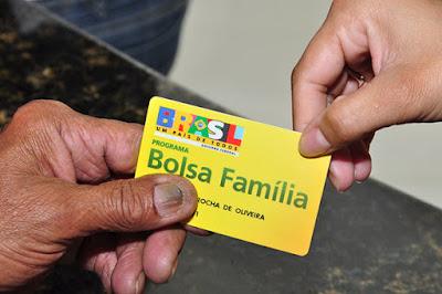 Resultado de imagem para Governo federal repassará R$ 2,4 bilhõesaos beneficiários do Bolsa Família em fevereiro