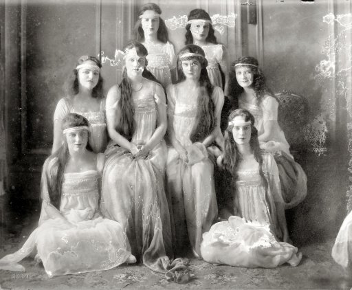 Old Photos Of Pretty Girls From Between The 1900s And