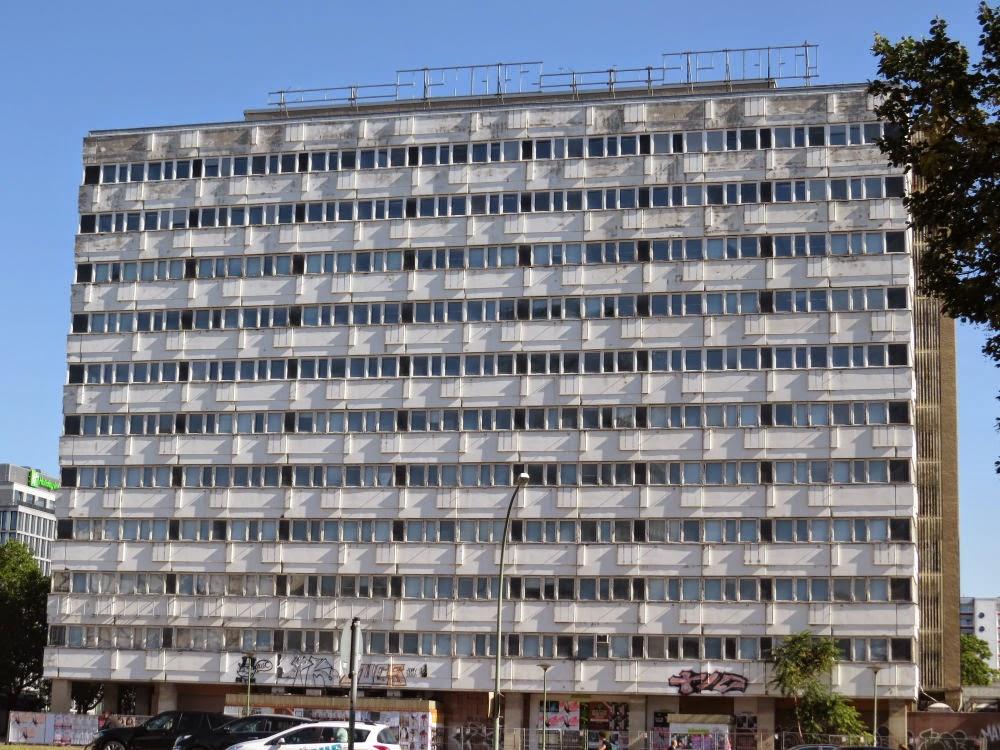 בניין מגורים טיפוסי לגרמניה המזרחית