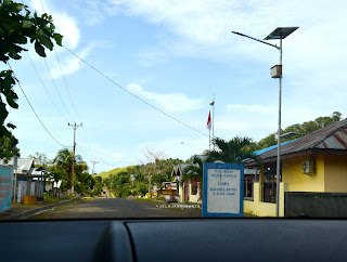Tugu selamat datang di Desa Pulisan, Likupang Timur, Minahasa Utara, Sulawesi Utara +jelajahsuwanto