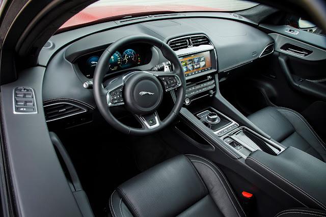 Jaguar f-pace 2017 intérieur