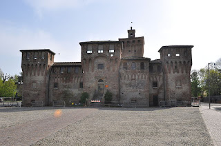 Cento's 14th century castle, originally built by the Bishop of Bologna and enlarged by future pope Giulio della Rovere