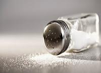 Μειώστε το αλάτι στο φαγητό