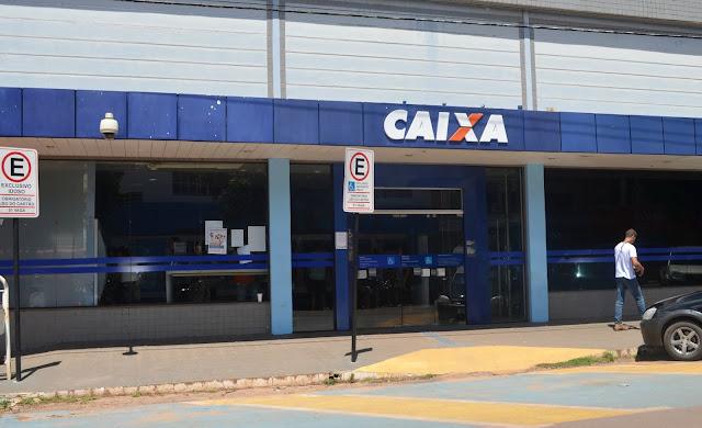 """Fim da Mamata dos Concursados ou Prejuízo da """"Reforma Trabalhista""""?  Caixa Econômica vai contratar bancários temporários e sem concurso"""