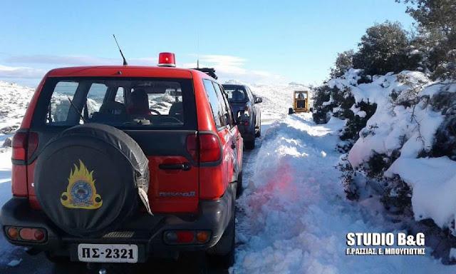 Η Πυροσβεστική στην Αργολίδα μετέφερε 5 άτομα που ακινητοποιήθηκαν λόγω πάγου στο Κεφαλόβρυσο