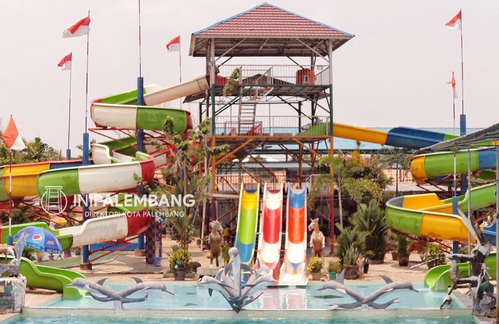 Fasilitas WaterBoom Danau Tanah Mas Palembang