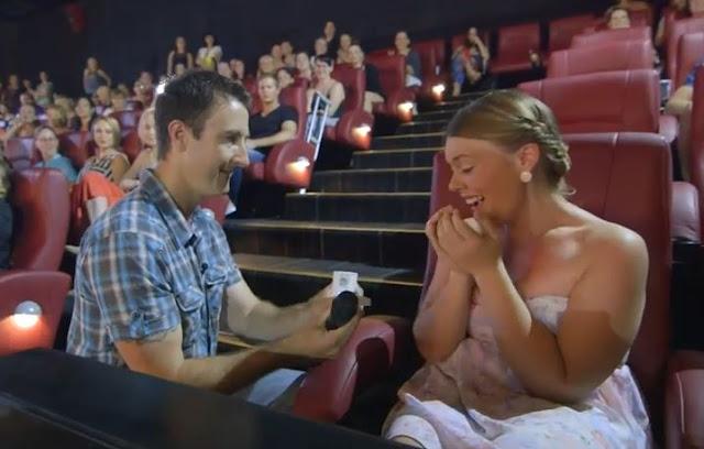 Pide a tu pareja en matrimonio en el cine - Foto: www.televicentro.hn