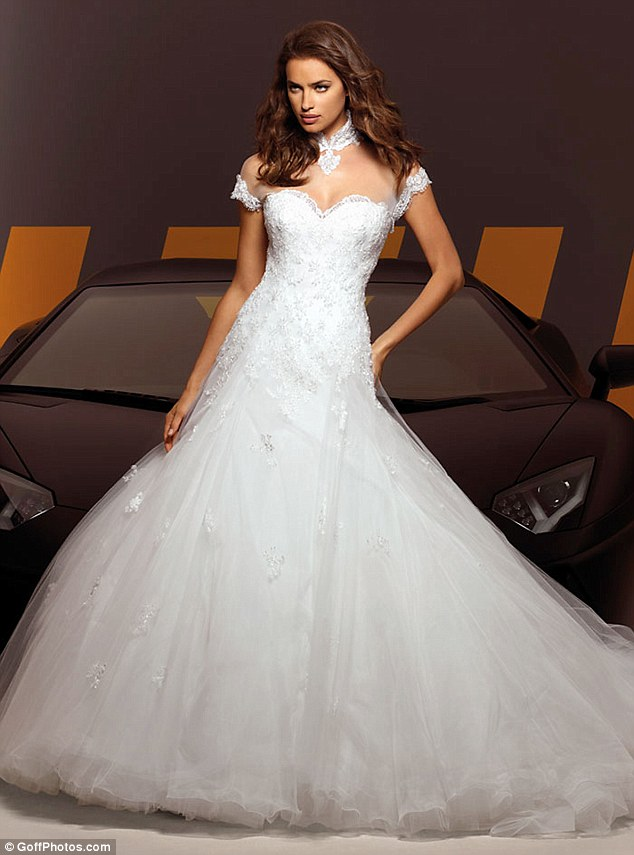 online Wallpapers: Irina Shayk Bridal Dresses for marriage ...