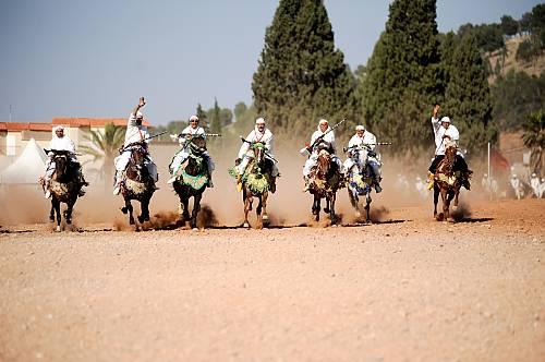 Eventos lúdicos en el Festival de la Cereza en Sefrou (Marruecos)