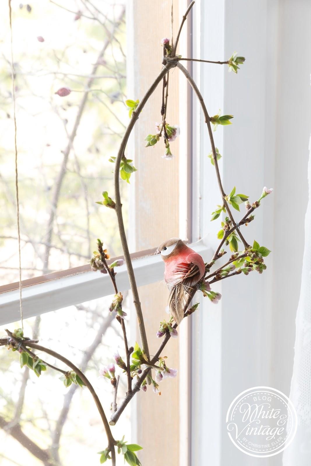 DIY Fensterdeko aus Zweigen basteln