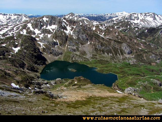 Ruta Farrapona, Albos, Calabazosa: Vista al Lago del Valle desde el Albo Occidental