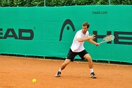 penjelasan olahraga tenis lapangan