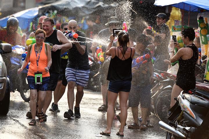 Фестиваль Сонгкран— новый год по-тайски — Thai Notes