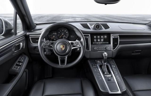2017 Porsche Macan Turbo Interior