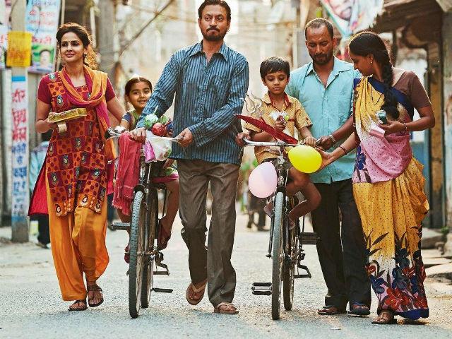 Irfan Khan, Saba Qamar, hindi movie, kasih sayang ibu bapa, kisah pengorbanan ibu bapa untuk pendidikan anak-anak, the best hindi movie 2017