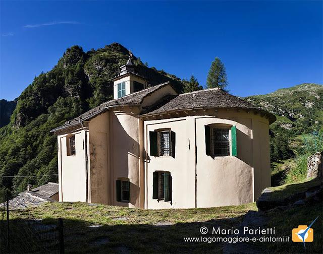 Campello Monti, la chiesa