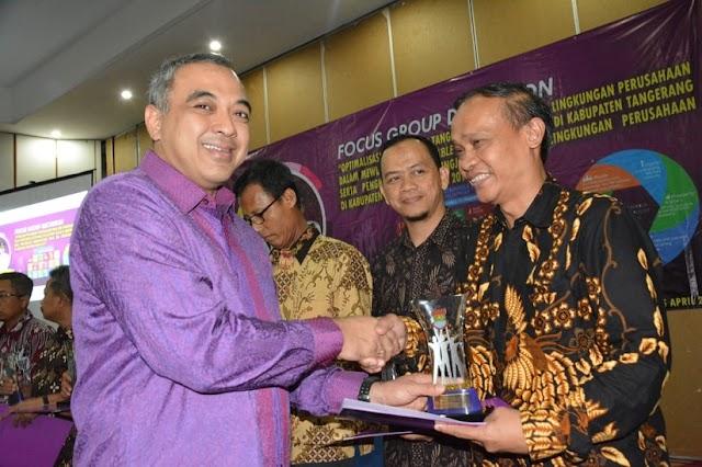 Bupati Tangerang Beri Penghargaan CSR Kepada Perusahaan