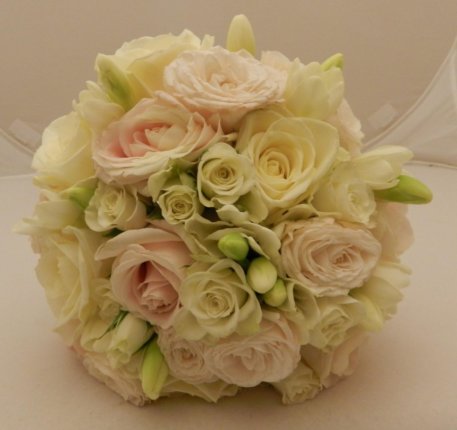 Sandras Flower Studio Blush And Ivory Wedding Flowers