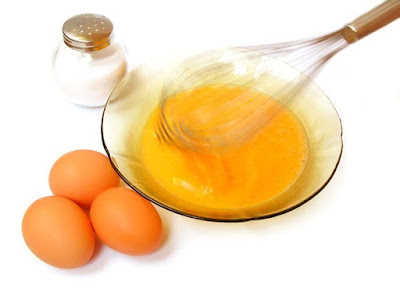 Chăm sóc tóc từ trứng gìa