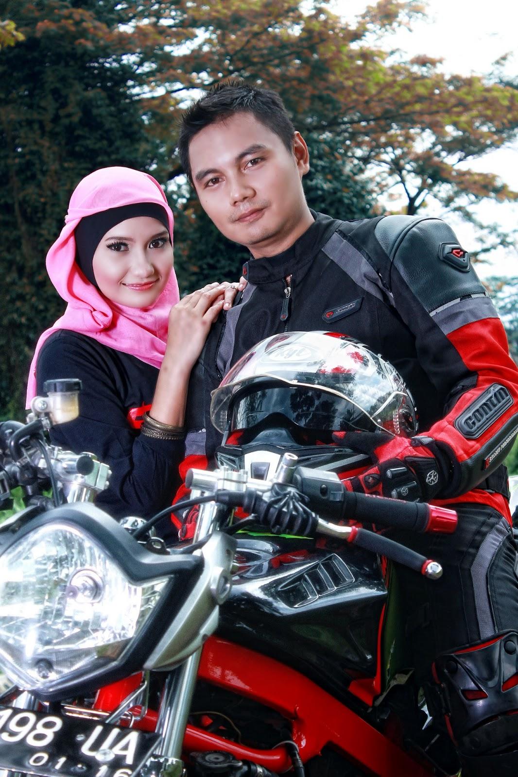 Foto Prewedding Naik Motor Ninja Prewedmoto